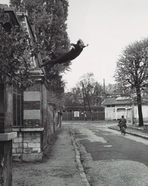 Le Saut dans le Vide - Leap into the Void