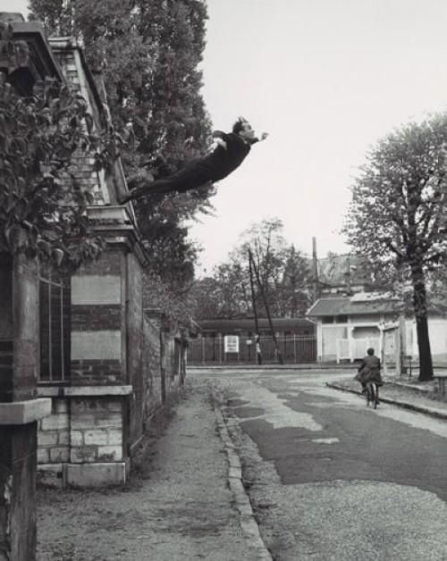 Le Saut dans le Vide - Leap into the Void