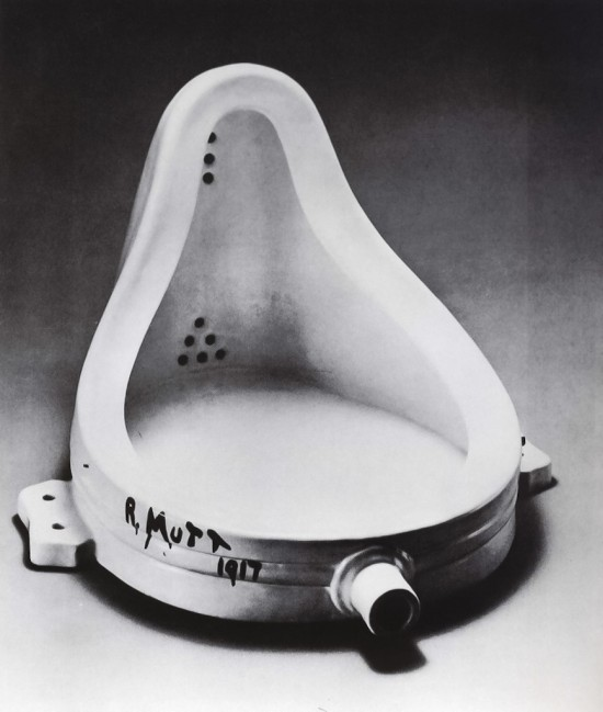 Marcel Duchamp Fountain, 1916-1917. A sculpture made of glazed ceramic with black paint.